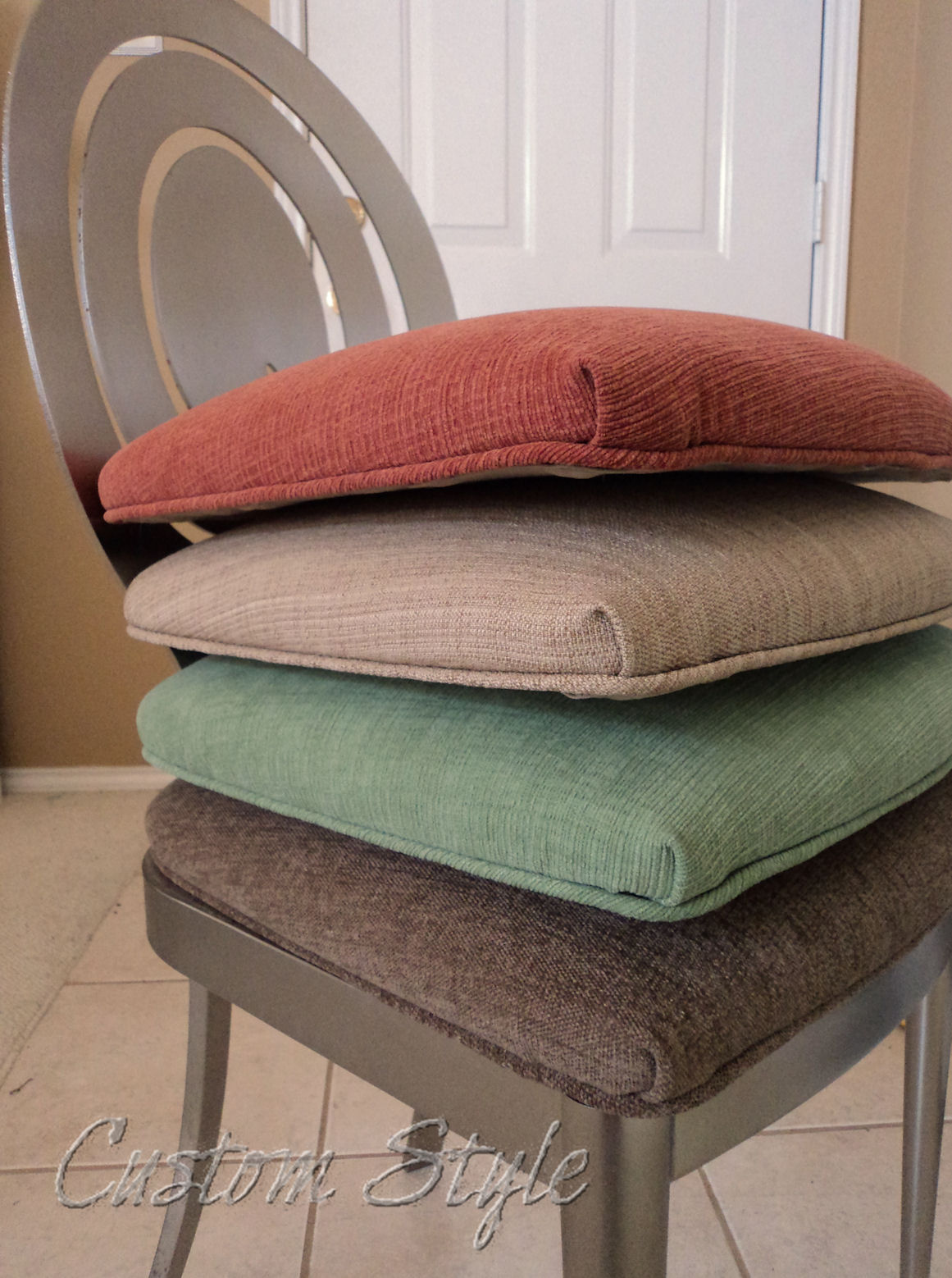 Reupholstering dining chair cushions custom style - Cushioned dining room chairs ...