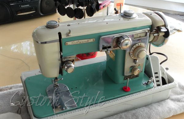 Vintage Sewing Machine Custom Style New Old Sewing Machines Brands